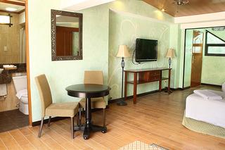 http://photos.hotelbeds.com/giata/18/189822/189822a_hb_ro_041.jpg