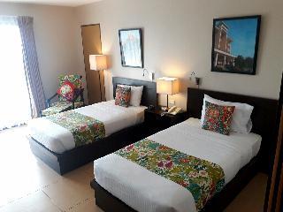 http://photos.hotelbeds.com/giata/18/189834/189834a_hb_ro_019.jpg