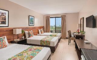 http://photos.hotelbeds.com/giata/18/189834/189834a_hb_ro_023.jpg