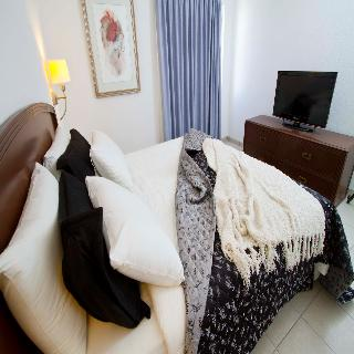 http://photos.hotelbeds.com/giata/19/192352/192352a_hb_ro_008.jpg