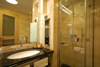 http://photos.hotelbeds.com/giata/19/196986/196986a_hb_ro_011.jpg