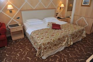 http://photos.hotelbeds.com/giata/19/196986/196986a_hb_ro_012.jpg