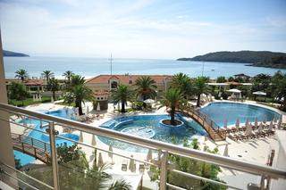 http://photos.hotelbeds.com/giata/19/196986/196986a_hb_ro_013.jpg