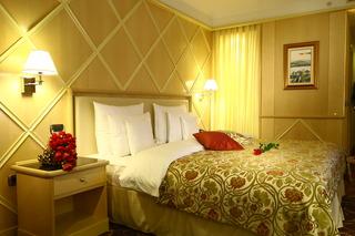 http://photos.hotelbeds.com/giata/19/196986/196986a_hb_ro_017.jpg