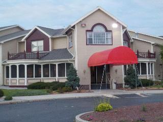 Hotels in Auburn - IN: Quality Inn