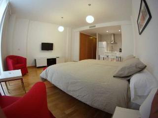 http://photos.hotelbeds.com/giata/20/200009/200009a_hb_ro_002.jpg