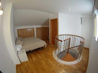 http://photos.hotelbeds.com/giata/20/200009/200009a_hb_ro_005.jpg