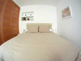 http://photos.hotelbeds.com/giata/20/200009/200009a_hb_ro_007.jpg