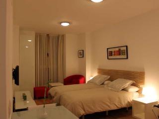 http://photos.hotelbeds.com/giata/20/200009/200009a_hb_ro_014.jpg