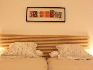 http://photos.hotelbeds.com/giata/20/200009/200009a_hb_ro_016.jpg