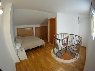 http://photos.hotelbeds.com/giata/20/200009/200009a_hb_ro_020.jpg