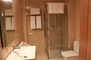 http://photos.hotelbeds.com/giata/20/200009/200009a_hb_ro_023.jpg