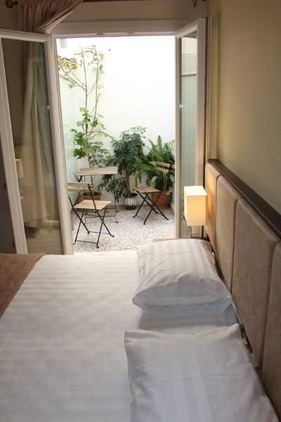 1 stern hotel rea in heraklion city kreta griechenland. Black Bedroom Furniture Sets. Home Design Ideas