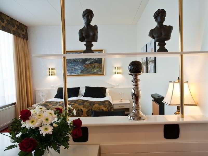 http://photos.hotelbeds.com/giata/21/211198/211198a_hb_ro_006.jpg