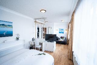 http://photos.hotelbeds.com/giata/21/211198/211198a_hb_ro_028.jpg