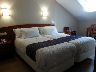 http://photos.hotelbeds.com/giata/21/212237/212237a_hb_ro_025.jpg