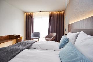 http://photos.hotelbeds.com/giata/21/214922/214922a_hb_ro_030.jpg