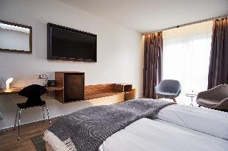 http://photos.hotelbeds.com/giata/21/214922/214922a_hb_ro_031.jpg