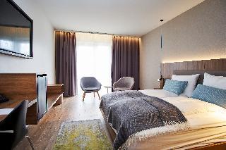 http://photos.hotelbeds.com/giata/21/214922/214922a_hb_ro_041.jpg