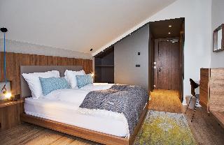 http://photos.hotelbeds.com/giata/21/214922/214922a_hb_ro_052.jpg