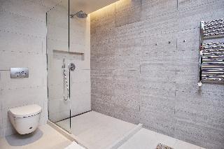 http://photos.hotelbeds.com/giata/21/214922/214922a_hb_ro_081.jpg