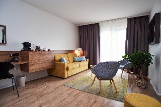 http://photos.hotelbeds.com/giata/21/214922/214922a_hb_ro_086.jpg