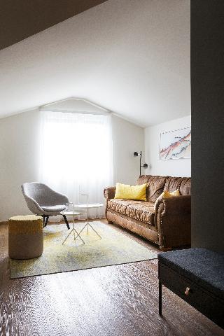 http://photos.hotelbeds.com/giata/21/214922/214922a_hb_ro_118.jpg