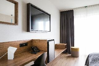 http://photos.hotelbeds.com/giata/21/214922/214922a_hb_ro_126.jpg