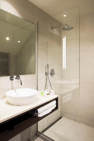 http://photos.hotelbeds.com/giata/21/214922/214922a_hb_ro_133.jpg