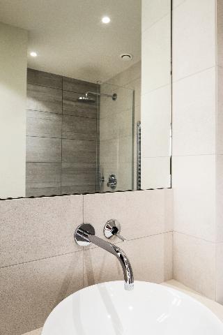 http://photos.hotelbeds.com/giata/21/214922/214922a_hb_ro_139.jpg