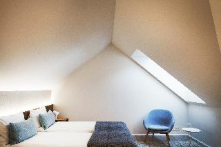 http://photos.hotelbeds.com/giata/21/214922/214922a_hb_ro_145.jpg