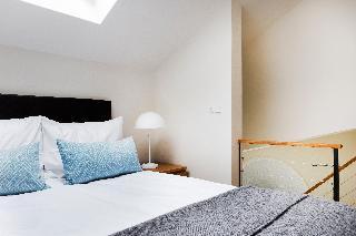http://photos.hotelbeds.com/giata/21/214922/214922a_hb_ro_156.jpg
