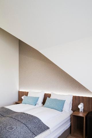 http://photos.hotelbeds.com/giata/21/214922/214922a_hb_ro_157.jpg