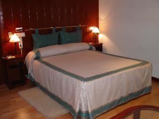 Hotel Canada 1