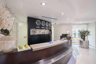 Best Western  Plus Grand Hotel Victor Hugo - hotels in Luxemburgo