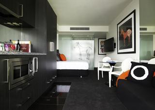 http://photos.hotelbeds.com/giata/21/218721/218721a_hb_ro_001.jpg