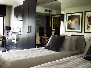 http://photos.hotelbeds.com/giata/21/218721/218721a_hb_ro_005.jpg