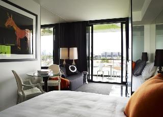 http://photos.hotelbeds.com/giata/21/218721/218721a_hb_ro_010.jpg