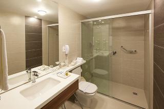 http://photos.hotelbeds.com/giata/22/225734/225734a_hb_ro_006.jpg