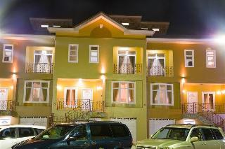 Royal Richester, Accra, Accra