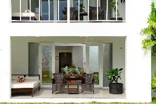 http://photos.hotelbeds.com/giata/25/255085/255085a_hb_ro_020.jpg