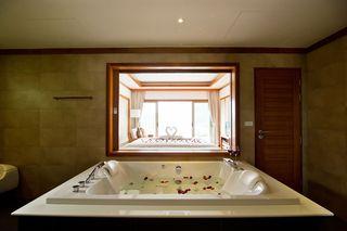 http://photos.hotelbeds.com/giata/25/256325/256325a_hb_ro_007.jpg