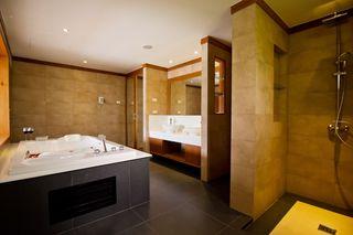 http://photos.hotelbeds.com/giata/25/256325/256325a_hb_ro_008.jpg