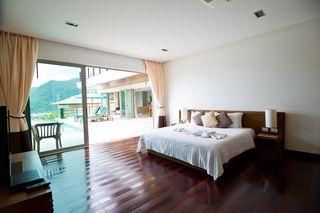 http://photos.hotelbeds.com/giata/25/256325/256325a_hb_ro_027.jpg