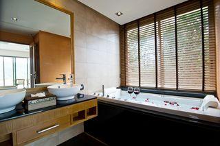 http://photos.hotelbeds.com/giata/25/256325/256325a_hb_ro_042.jpg