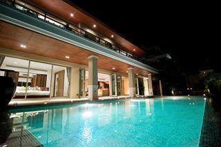 http://photos.hotelbeds.com/giata/25/256325/256325a_hb_ro_053.jpg