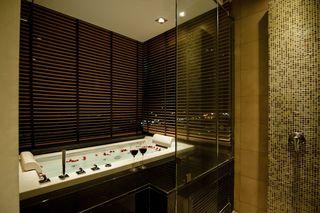 http://photos.hotelbeds.com/giata/25/256325/256325a_hb_ro_054.jpg