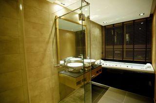 http://photos.hotelbeds.com/giata/25/256325/256325a_hb_ro_057.jpg