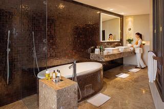 http://photos.hotelbeds.com/giata/26/262475/262475a_hb_ro_043.jpg