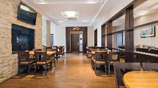 Best Western Plus Edmonton Airport Hotel, Airport